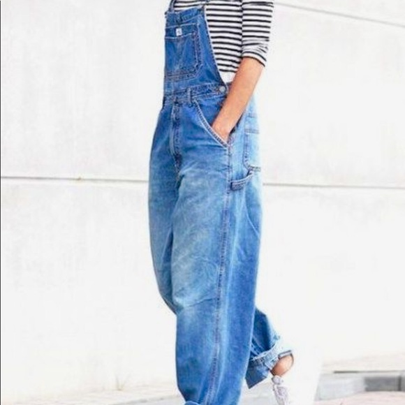 NWT Old Navy Girls Size XS 5 or M 8 Stonewash Denim Jean Overalls Shorts